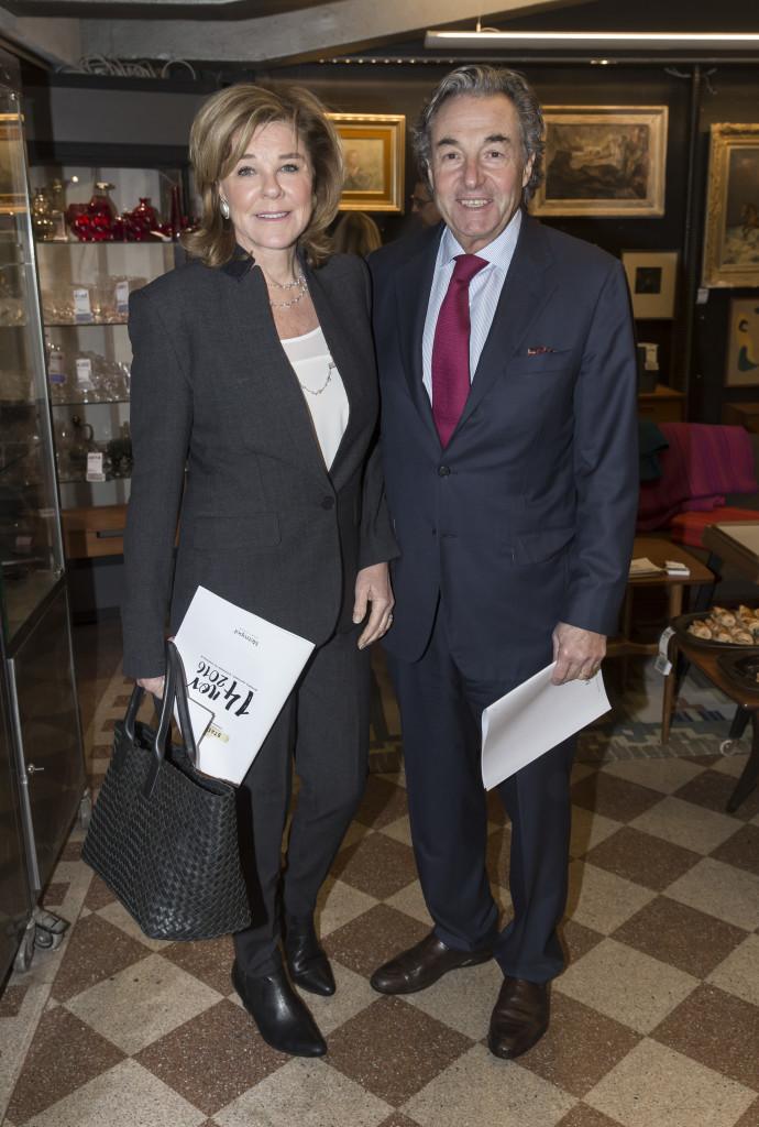 6630937 2016-11-14 Stadsbrudskårens välgörenhetsauktion på Metrolpol Auktioner. Arrangör Marianne Djudic. På Bilden: COPYRIGHT STELLA PICTURES